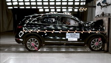 NCAP 2015 Lincoln MKC front crash test photo