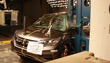 NCAP 2015 Honda CR-V side pole crash test photo