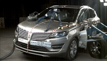 NCAP 2015 Lincoln MKC side crash test photo