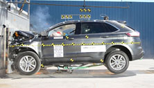 2015 Ford Edge SUV AWD after frontal crash test
