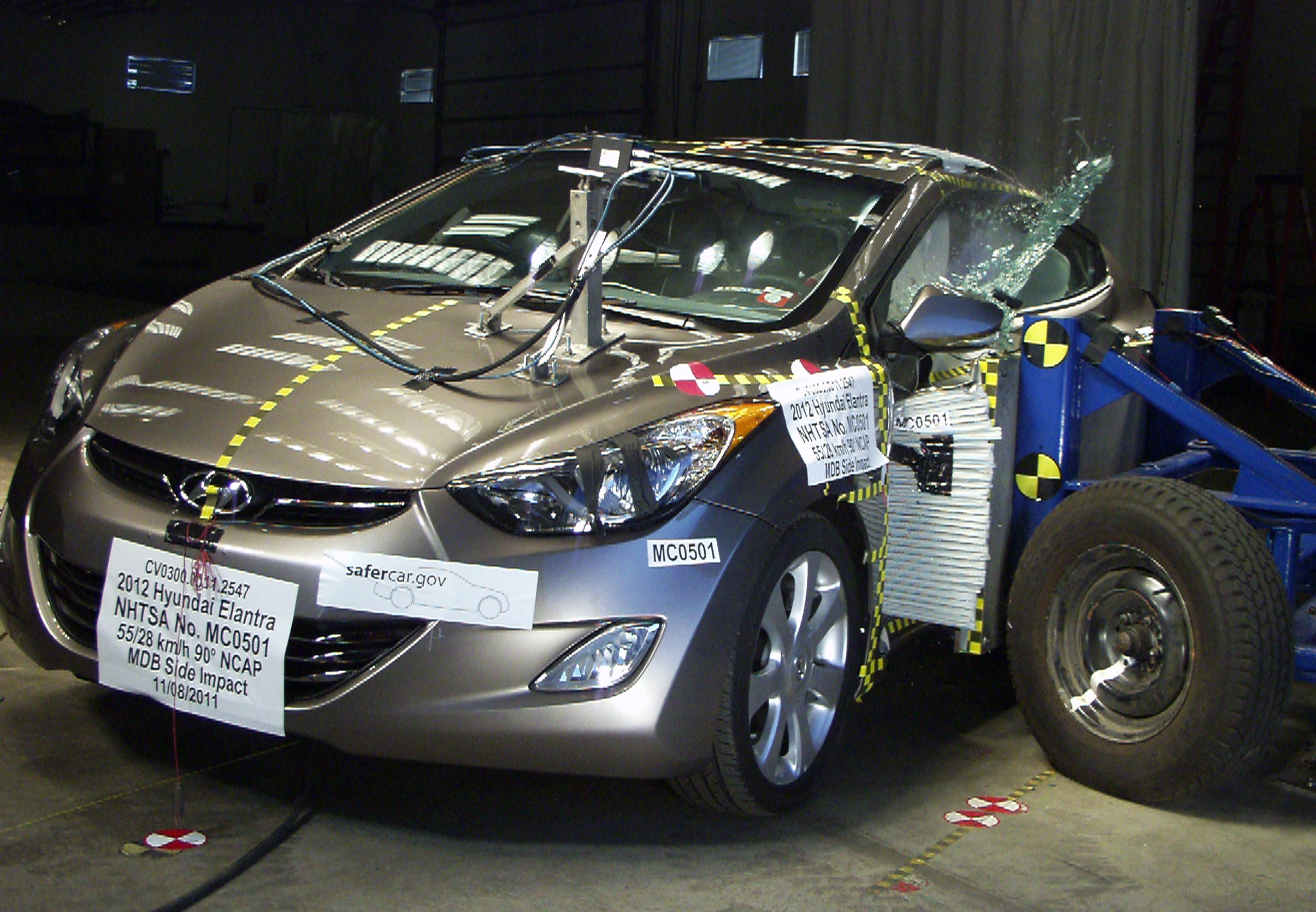 NCAP 2016 Hyundai Elantra side crash test photo