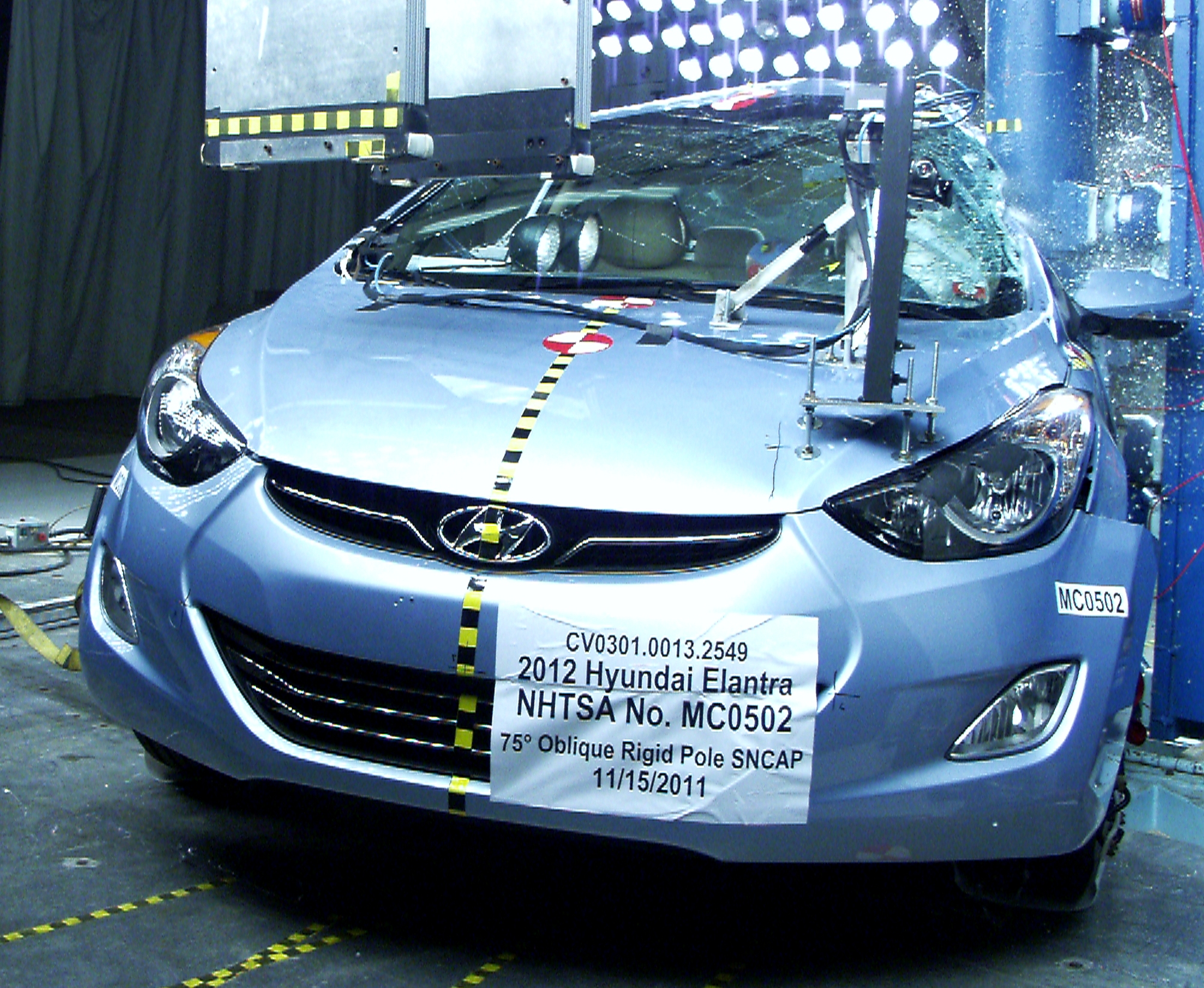 NCAP 2016 Hyundai Elantra side pole crash test photo