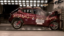 NCAP 2016 Nissan Juke front crash test photo