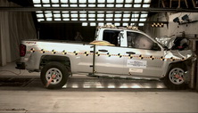 NCAP 2016 Chevrolet Silverado 1500 front crash test photo