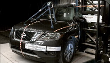 NCAP 2016 Nissan Pathfinder side pole crash test photo