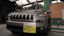 NCAP 2016 Jeep Cherokee side pole crash test photo