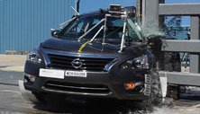 NCAP 2016 Nissan Altima side pole crash test photo