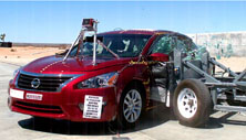 NCAP 2016 Nissan Altima side crash test photo