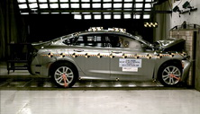 NCAP 2016 Chrysler 200 front crash test photo