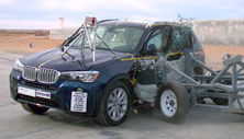 NCAP 2016 BMW X3 side crash test photo