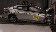 NCAP 2016 Toyota Avalon front crash test photo