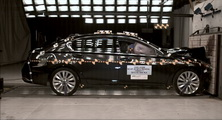 NCAP 2016 Acura RLX front crash test photo