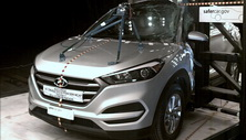 NCAP 2016 Hyundai Tucson side pole crash test photo