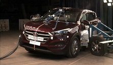 NCAP 2016 Hyundai Tucson side crash test photo