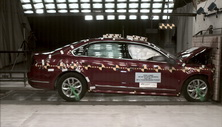 NCAP 2016 Volkswagen Passat front crash test photo