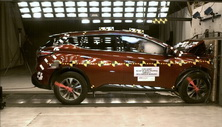 NCAP 2016 Nissan Murano front crash test photo