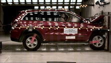 NCAP 2017 Jeep Grand Cherokee front crash test photo