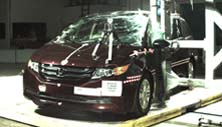 NCAP 2017 Honda Odyssey side pole crash test photo