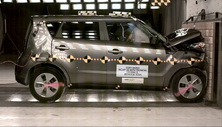 NCAP 2017 Kia Soul front crash test photo
