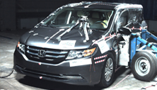 NCAP 2017 Honda Odyssey side crash test photo