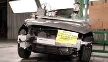NCAP 2017 Mazda MAZDA3 side pole crash test photo