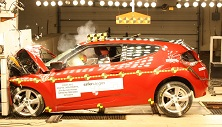 NCAP 2017 Hyundai Veloster front crash test photo