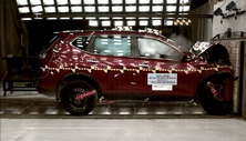 NCAP 2017 Nissan Rogue front crash test photo
