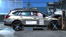 NCAP 2017 Subaru Outback front crash test photo