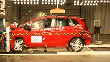 NCAP 2017 Honda Fit front crash test photo