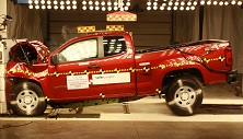 NCAP 2017 Chevrolet Colorado front crash test photo