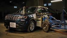 NCAP 2017 Ford Explorer side crash test photo