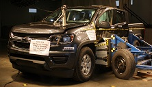 NCAP 2017 Chevrolet Colorado side crash test photo