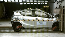 NCAP 2017 Toyota Prius front crash test photo