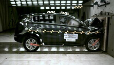 NCAP 2017 Kia Sportage front crash test photo