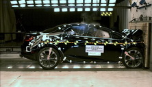 NCAP 2017 Buick Cascada front crash test photo