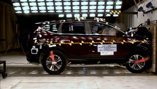 NCAP 2017 Honda CR-V front crash test photo