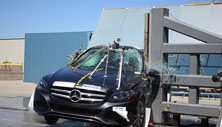2018 Mercedes-Benz C-Class Sedan Side Pole Crash Test