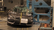 NCAP 2018 Honda Civic side pole crash test photo