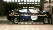 NCAP 2018 Toyota Prius front crash test photo