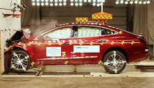 2018 Buick LaCrosse Hybrid Front Crash Test