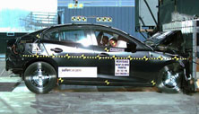 NCAP 2018 Mazda MAZDA3 front crash test photo