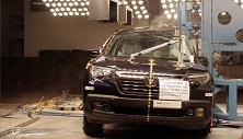 NCAP 2018 Honda Ridgeline side pole crash test photo