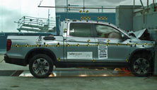 NCAP 2018 Honda Ridgeline front crash test photo