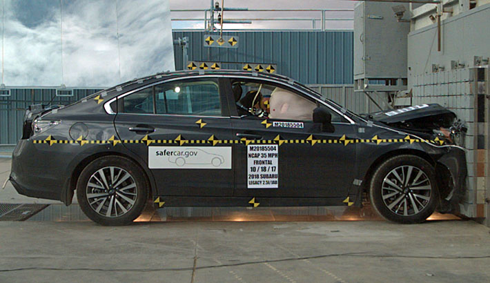 NCAP 2018 Subaru Outback front crash test photo
