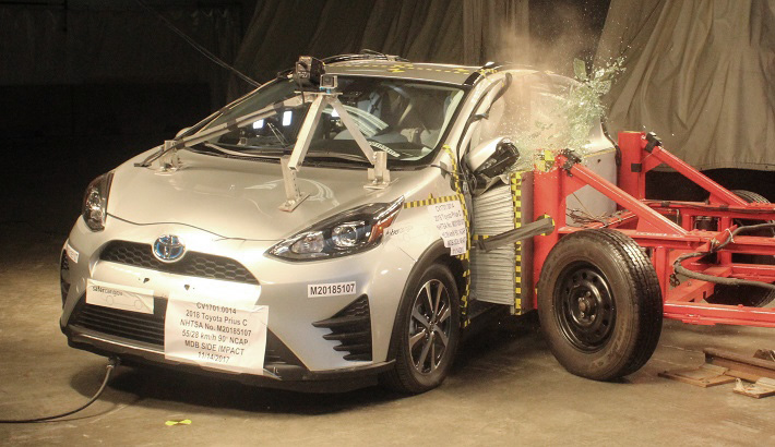 NCAP 2018 Toyota Prius side crash test photo