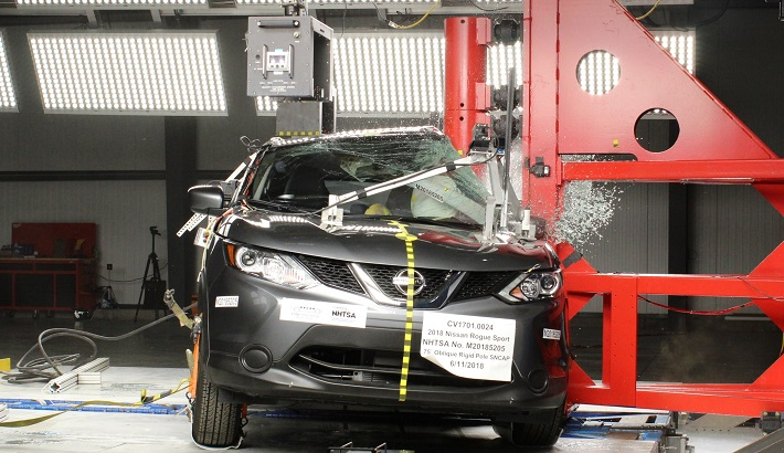 NCAP 2018 Nissan Rogue Sport side pole crash test photo