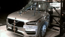NCAP 2019 Volvo XC90 side pole crash test photo