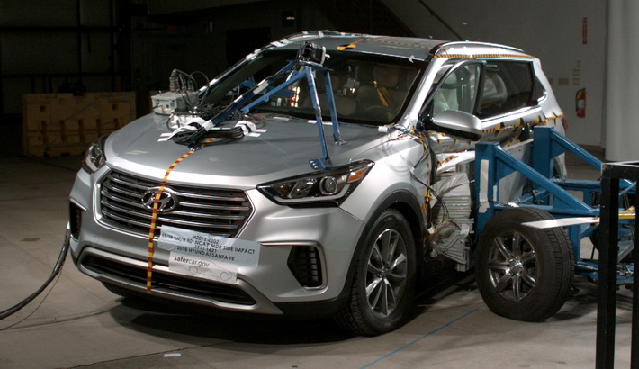 NCAP 2019 Hyundai Santa Fe side crash test photo