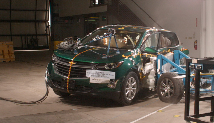 NCAP 2019 Chevrolet Equinox side crash test photo