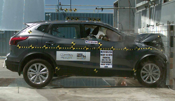 NCAP 2019 Nissan Rogue front crash test photo